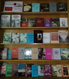 Книжкова онлайн-виставка«До Дня пам'яті та примирення. До Дня перемоги над нацизмом у Другій світовій війні»